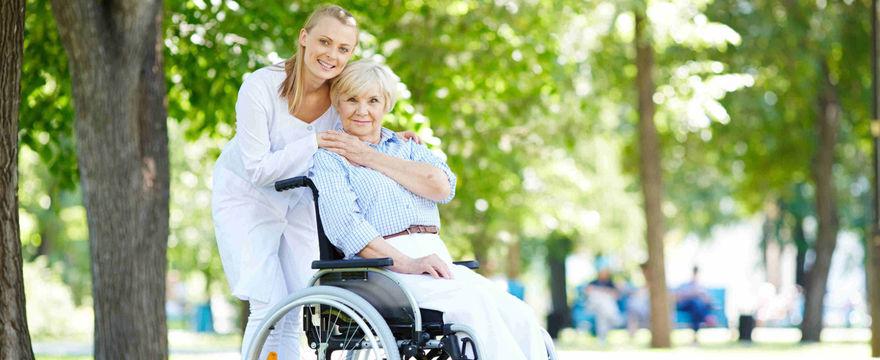 """Program """"Dostępność Plus"""" – wsparcie dla seniorów i osób niepełnosprawnych"""