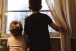 Koronawirus: czy dzieci mogą wychodzić na dwór? Spacer czy plac zabaw?